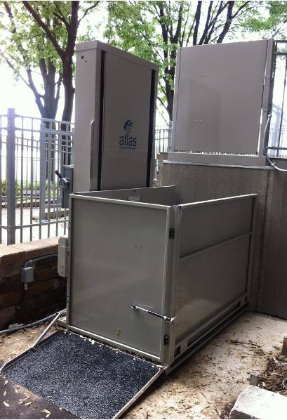 vista 355 wheelchair lift outdoor application