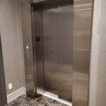 3-stop-elevator-exterior-doors-closed